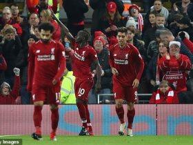 http://www.superkora.football/News/8/119680/ليفربول-يسقط-مانشستر-يونايتد-بثلاثية-ويضمن-صدارة-الدورى-الانجليزى