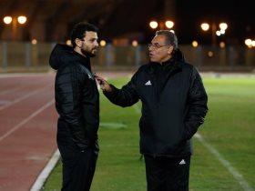 http://www.superkora.football/News/1/132914/يعتزل-الكابيتانو-وأقدامه-بتلعب-شاهد-كيف-عاد-حسام-غالى-للملعب