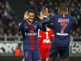كافانى ومبابى لاعبى باريس سان جيرمان