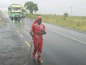 مشجع سيمبا يسير 800 كيلو متر على الأقدام لحضور مباراة مازيمبى