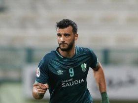 http://www.superkora.football/News/8/174606/24-هدفا-تفصل-السومة-عن-صدارة-الهدافين-التاريخيين-للدوري-السعودي