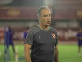 http://www.superkora.football/News/1/166955/لاسارتى-يحذر-لاعبى-الأهلى-من-عدم-الالتزام-بمباراتى-المقاولون-والزمالك
