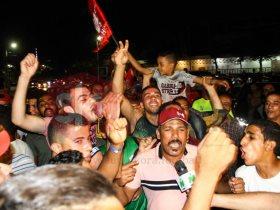 جماهير الأهلى ترقص وتغنى بفرحة الدورى المصرى