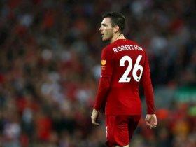 روبرتسون لاعب نادي ليفربول
