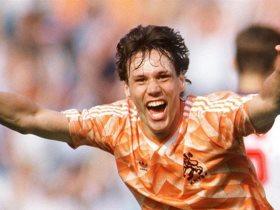http://www.superkora.football/News/2/173811/10-أرقام-في-مشوار-فان-باستن
