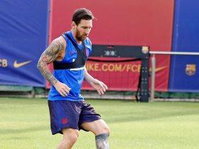http://www.superkora.football/News/9/174769/ميسي-يبدأ-التدرب-على-العشب-قبل-العودة-للملاعب