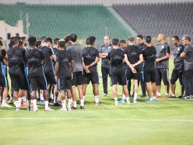 http://www.superkora.football/News/1/191947/المصري-يقرر-صرف-مستحقات-لاعبيه-قبل-السفر-الي-سيشل