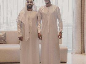 أحمد الشيخ ومحمد مجدي قفشة لاعبا القلعة الحمراء بالزي الإماراتي