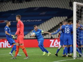 http://www.superkora.football/News/2/201086/10-مشاهد-من-انتصار-اليونان-ضد-فنلندا-بتصفيات-يورو-2020
