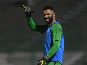 حارس مرمى فريق الأهلي الأول لكرة القدم , محمد العويس