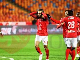 عمرو السولية لاعب النادى الأهلى