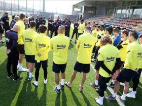 لاعبو برشلونة يخضعون لفحوصات طبية داخل النادى